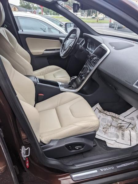 Volvo XC60 2015 price $19,995