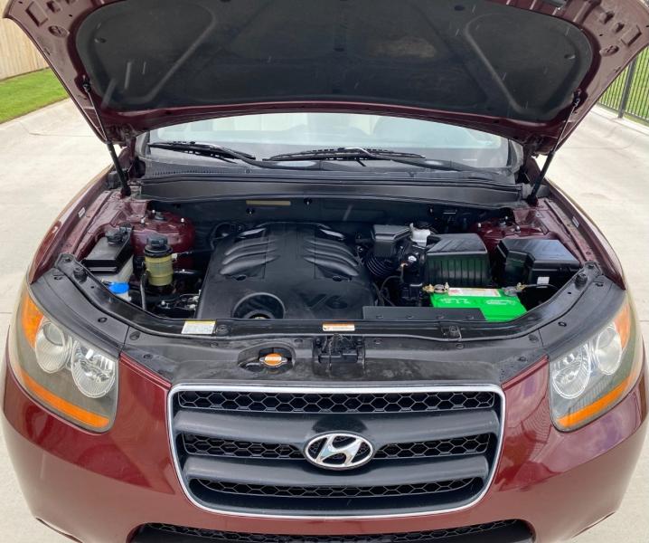 Hyundai Santa Fe 2009 price $6,399