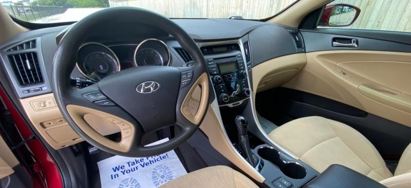 Hyundai Sonata 2013 price $8,599