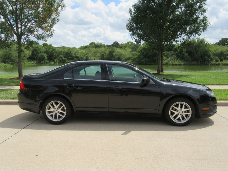 Ford Fusion 2011 price $7,950