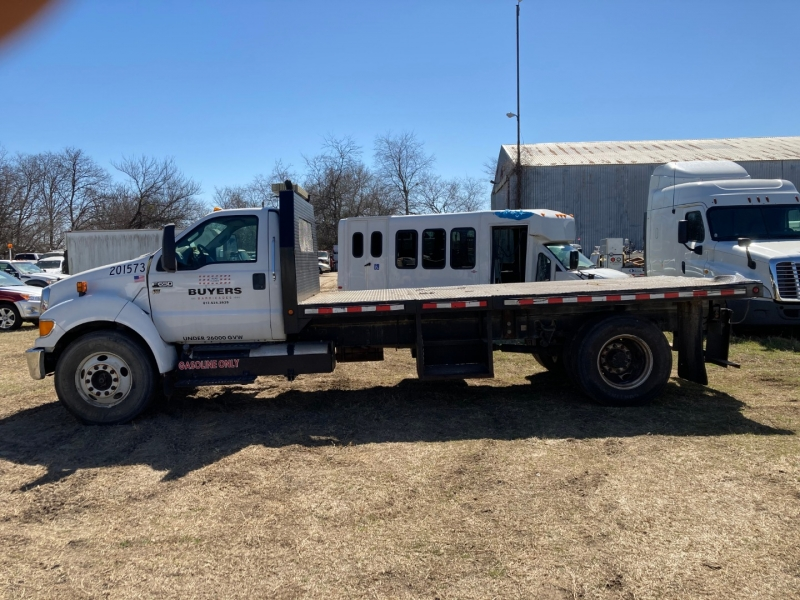 Ford F-650 Flatbed 2015 price $25,950