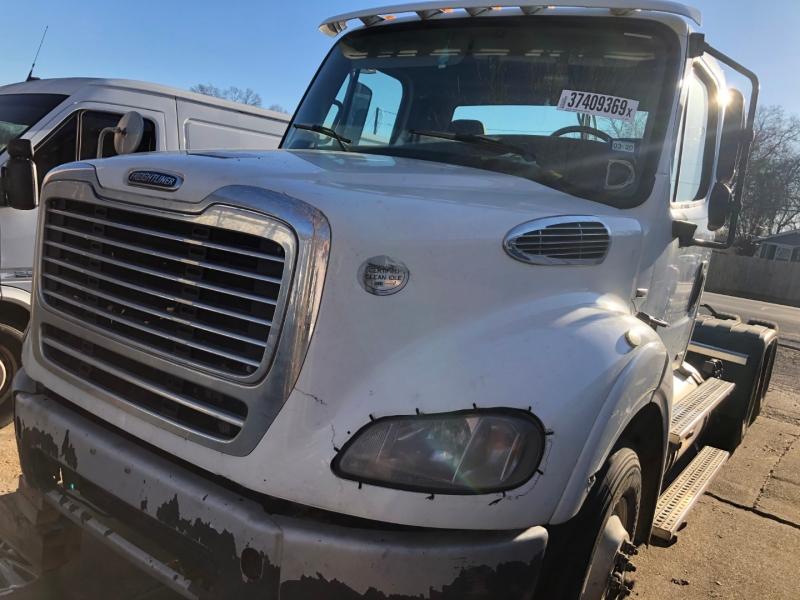 Freightliner M2 112 MD 2012 price $8,650