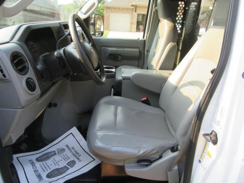 Ford Econoline Cargo Van 2011 price $15,950