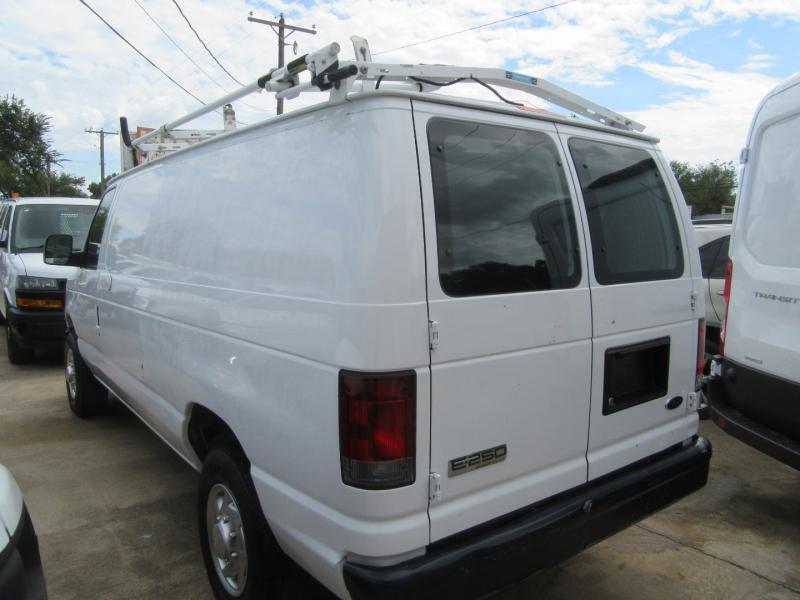 Ford Econoline Cargo Van 2010 price $16,950