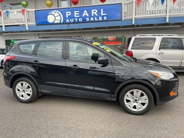 Ford Escape 2015 price $9,950
