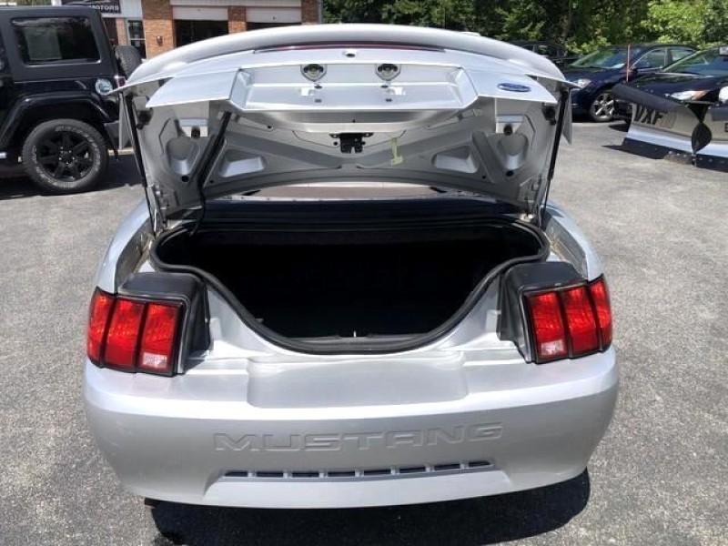 Ford Mustang Premium Convertible 2004 price $8,795