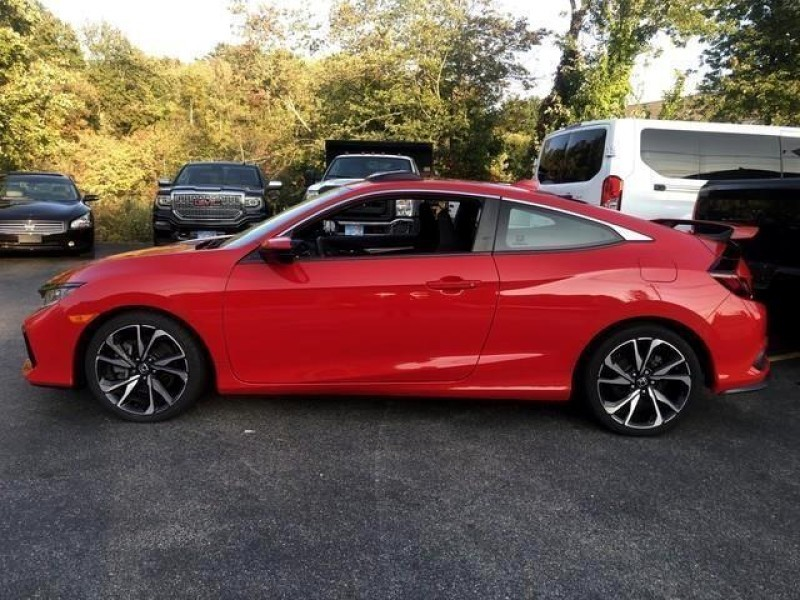 Honda Civic Si Coupe 2018 price $21,395