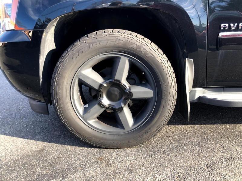 Chevrolet Avalanche 2013 price $25,995