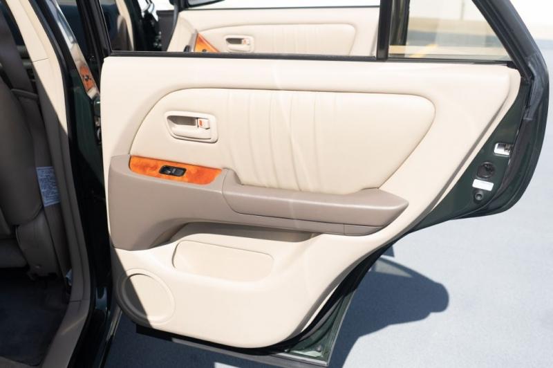 LEXUS RX 2000 price $5,999