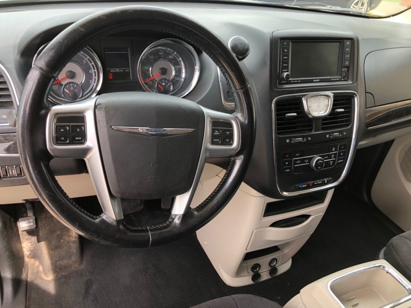 CHRYSLER TOWN & COUNTRY 2011 price $5,995