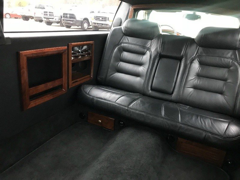 Cadillac Deville Professional 2001 price SOLD