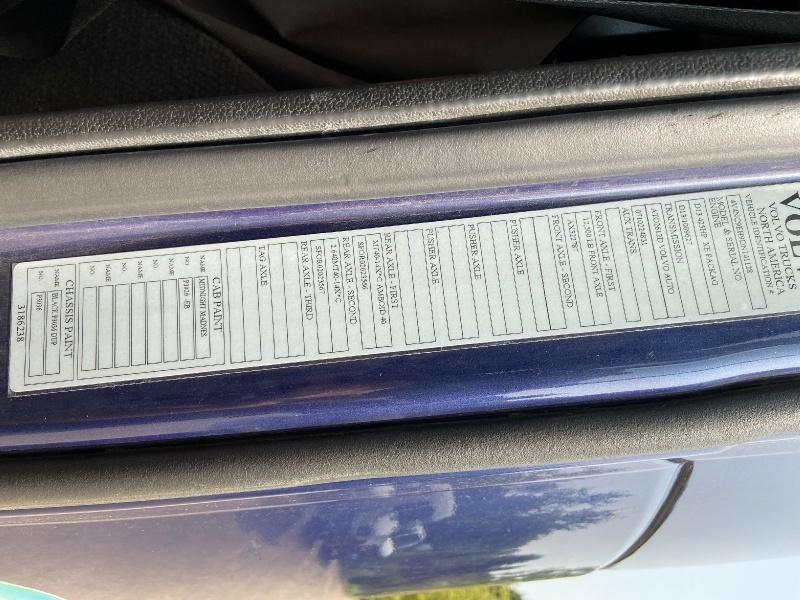 Volvo VNL64 730 SEMI TRUCK CLEAN w/ONLY761K MILES 2013 price $26,500