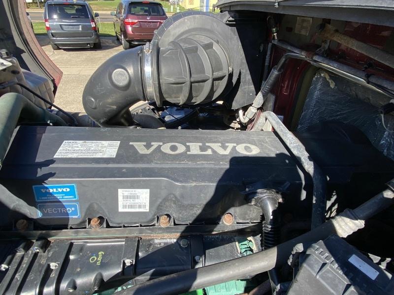 Volvo VNL64 670 2014 price PENDING