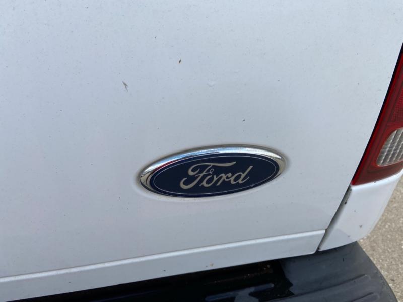 Ford Super Duty F-250 2005 price $9,995