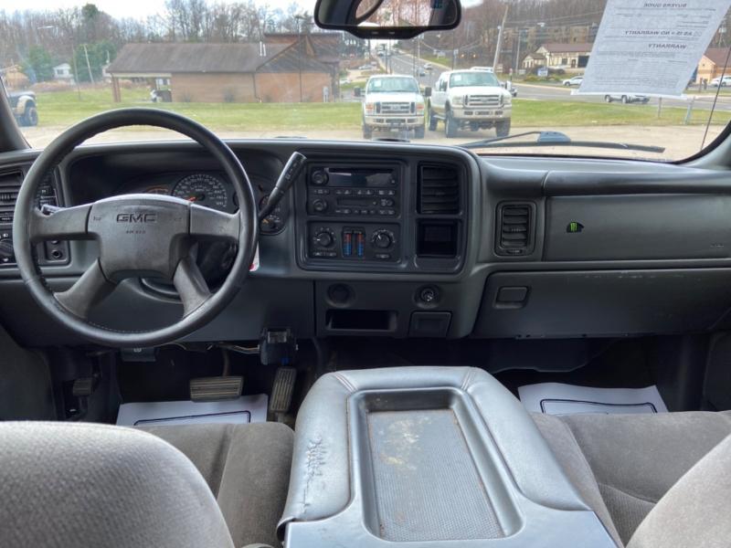 GMC Sierra 2500HD 2005 price $10,995