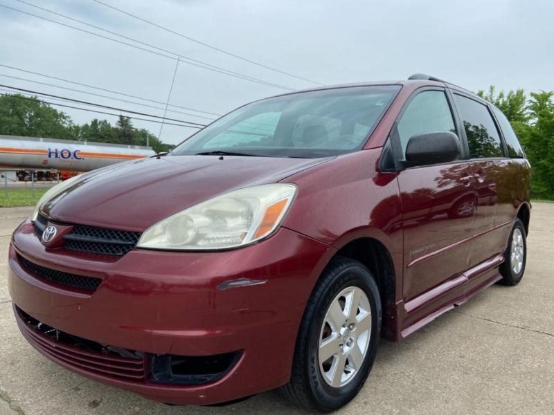 Toyota Sienna 2005 price $8,495