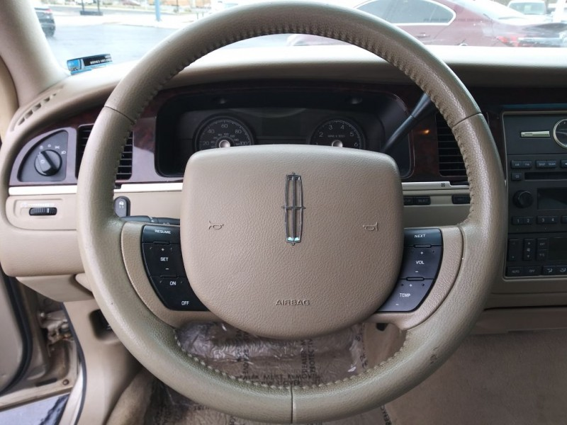 LINCOLN TOWN CAR 2007 price $3,975