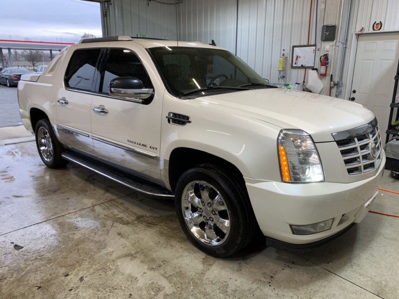 CADILLAC ESCALADE 2011 price $13,995