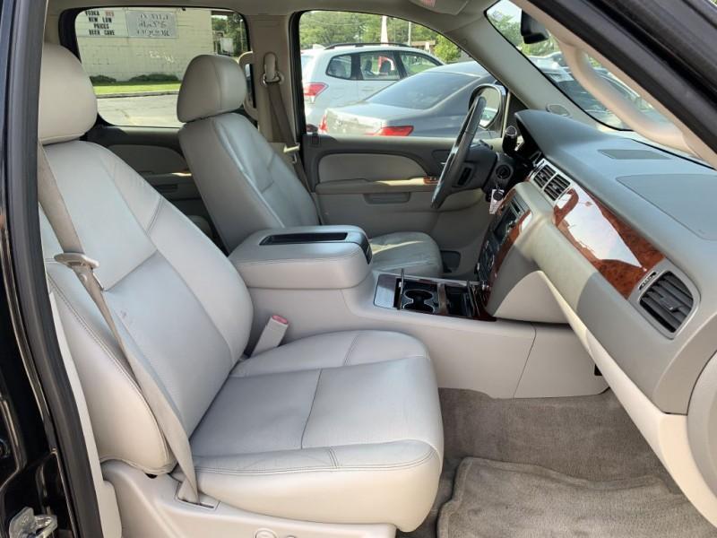 CHEVROLET SUBURBAN 2011 price $17,775