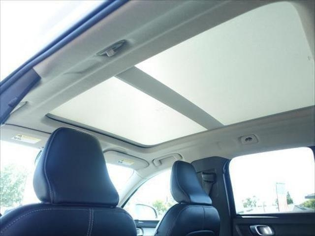 Volvo XC40 2019 price $34,250