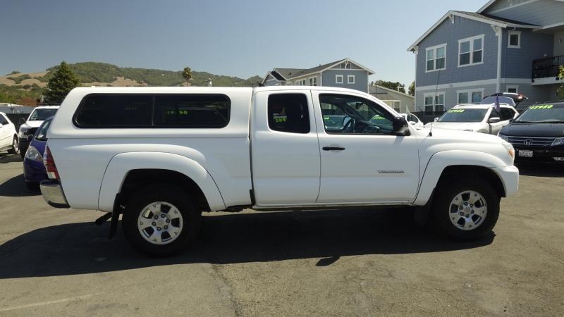 Toyota Tacoma 2012 price $14,950