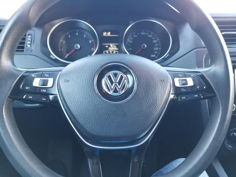 Volkswagen Jetta Sedan 2015 price $8,950