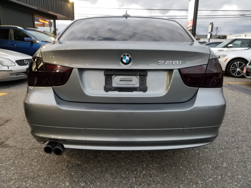 BMW 3-Series 2011 price $8,950