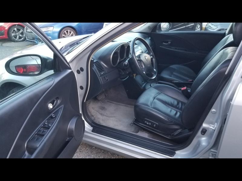 Nissan Altima 2004 price $2,950