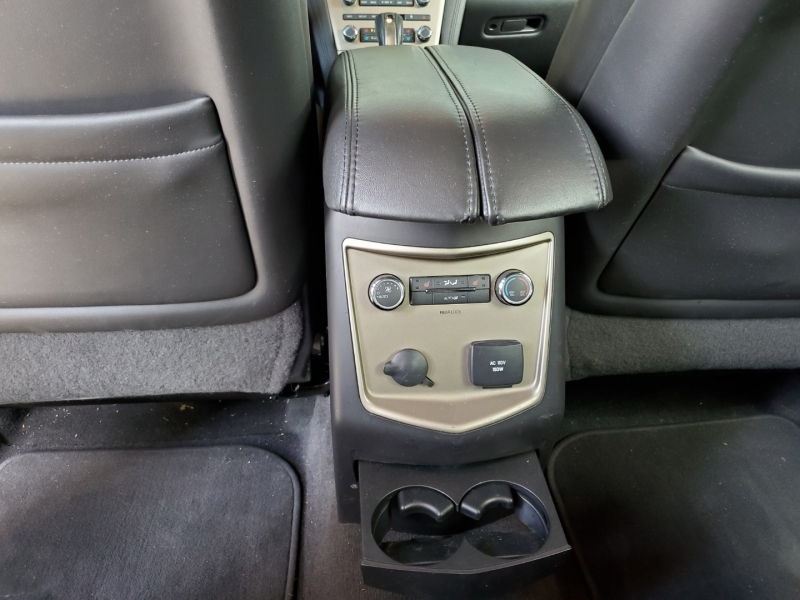 Lincoln MKT 2010 price $12,950