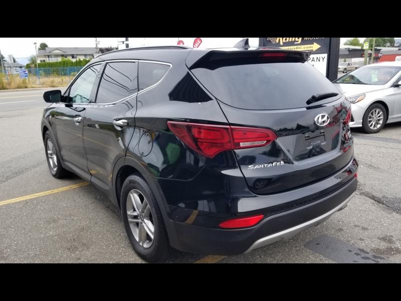 Hyundai Santa Fe Sport 2017 price $14,950
