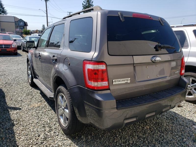 Ford Escape 2009 price $5,990