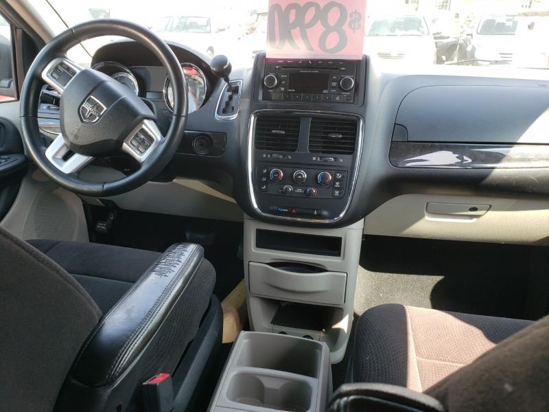 Dodge Grand Caravan 2015 price $10,990