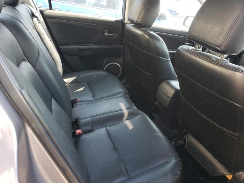 Mazda Mazda3 2005 price $3,990