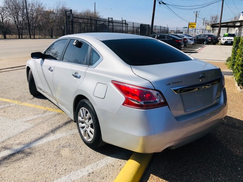 Nissan Altima 2013 price $1,300 Down