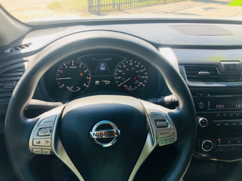 Nissan Altima 2015 price $1,800 Down