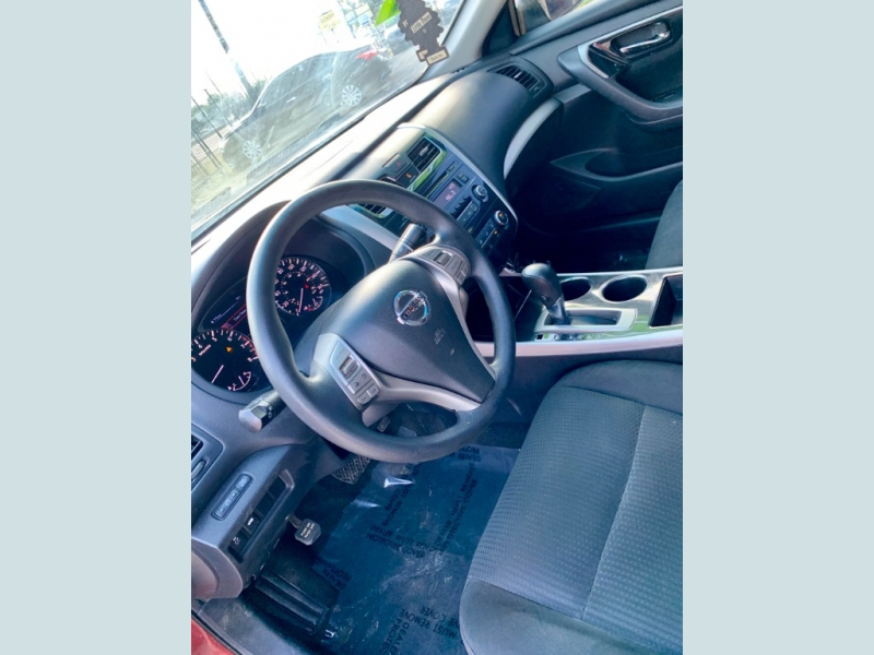 Nissan Altima 2014 price $1,600 Down
