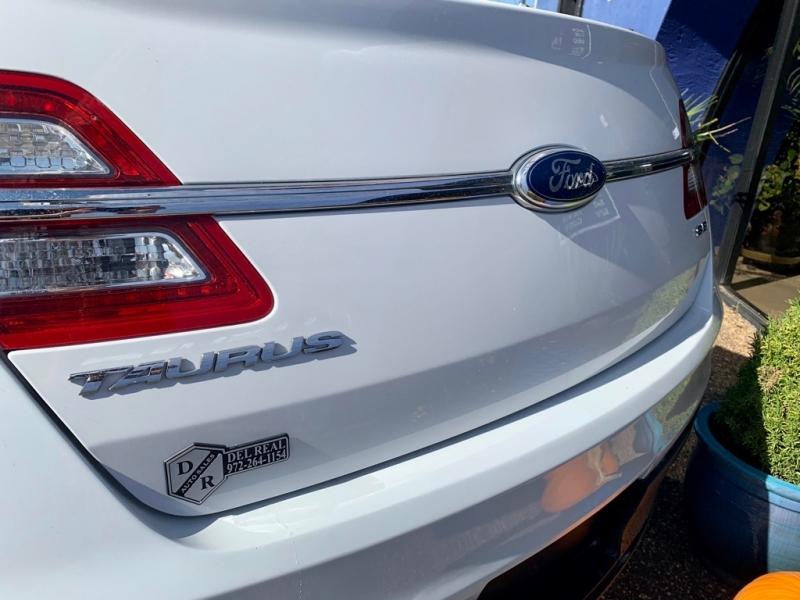 Ford Taurus 2013 price $1,400 Down