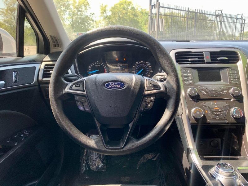 Ford Fusion 2017 price $2,300 Down