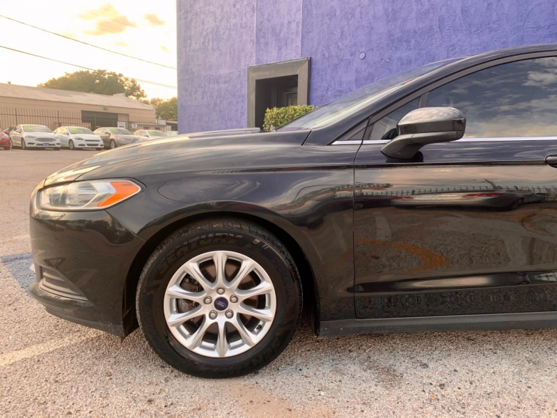 Ford Fusion 2015 price $1,700 Down