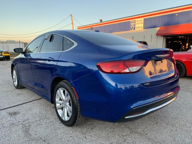 Chrysler 200 2016 price $1,900 Down