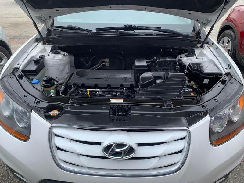 Hyundai Santa Fe 2011 price $1,600 Down