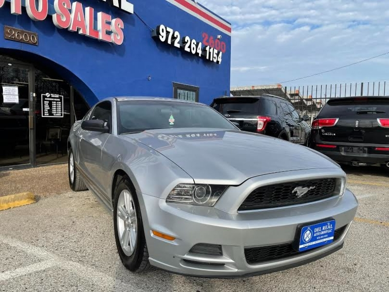 Ford Mustang 2013 price $2,300 Down