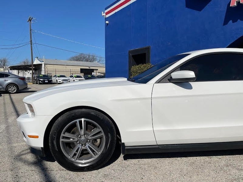 Ford Mustang 2012 price $2,200 Down