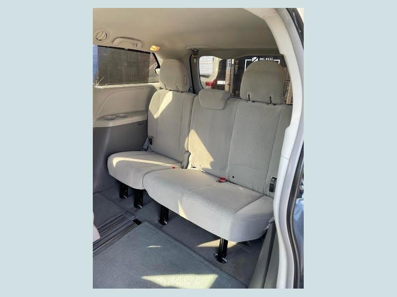 Toyota Sienna 2011 price $1,800 Down