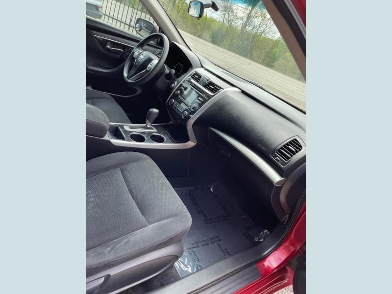 Nissan Altima 2014 price $1,700 Down
