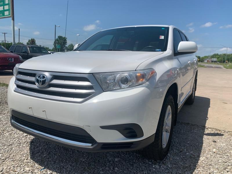 Toyota Highlander 2012 price $7999 CASH