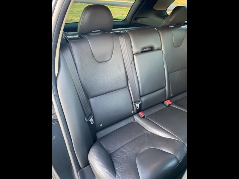 Volvo XC60 2010 price $7,999 CASH