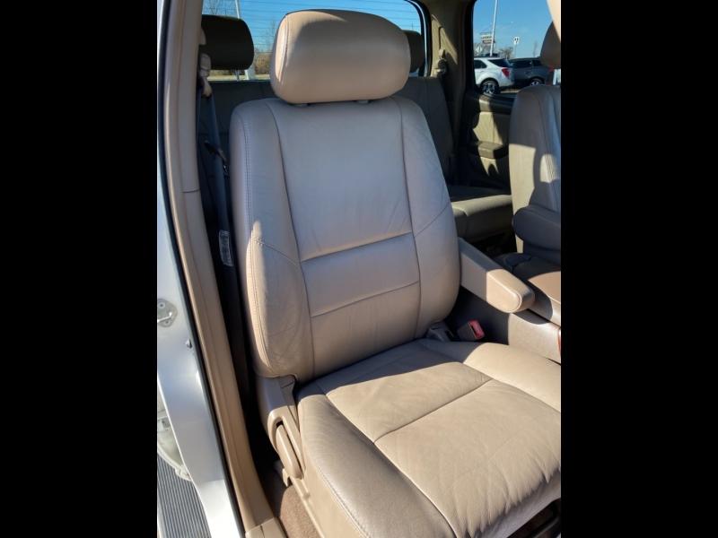 Toyota Tundra 2004 price $11,999 Cash
