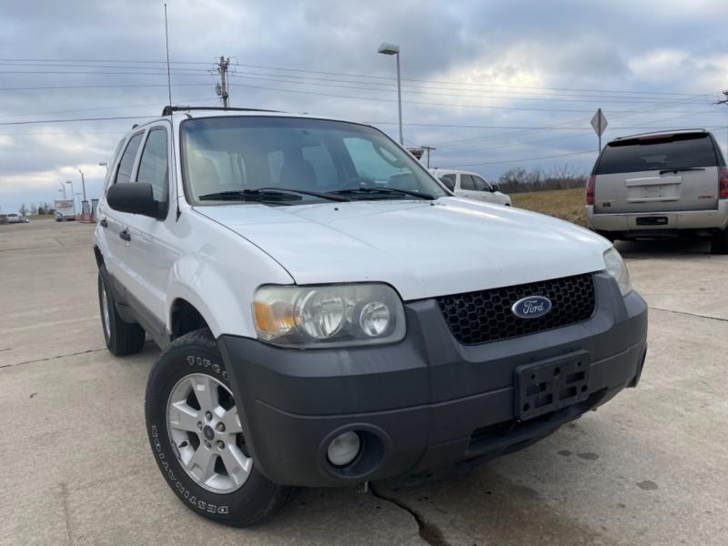 Ford Escape 2007 price $3999 Cash