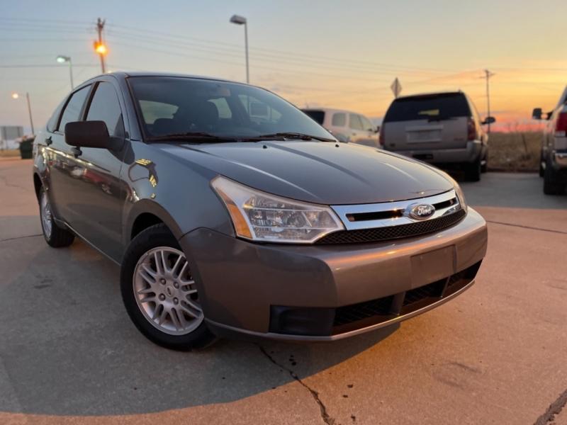 Ford Focus 2011 price $6999 CASH